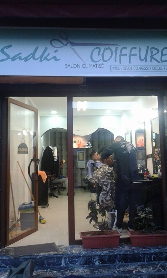 Coiffure Cheveux Sadki, façade du salon de coiffure